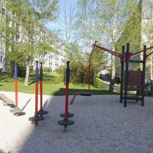 Bild 8: Spielplatz Griesbacher Hang