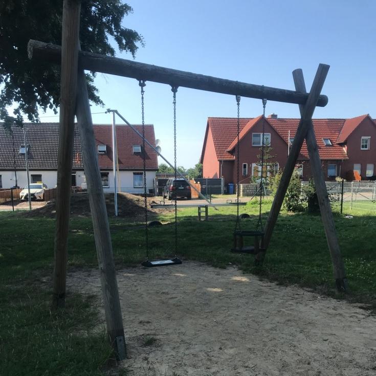 Bild 9: Spielplatz Groß Kedingshagen