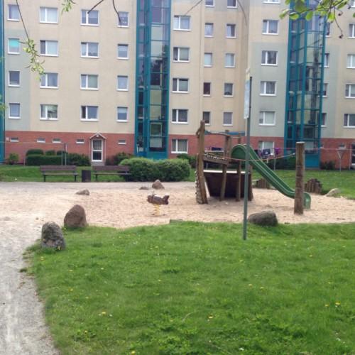 Bild 2: Spielplatz hintere Sternberger Straße