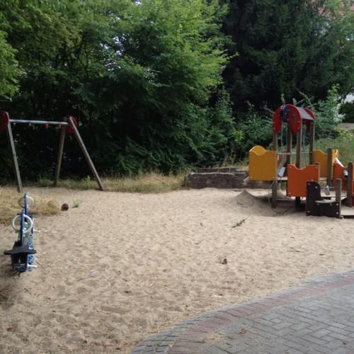 Bild 1: Spielplatz Hügelstrasse