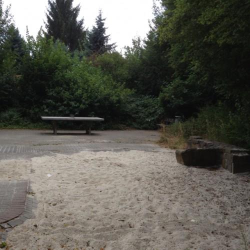 Bild 2: Spielplatz Hügelstrasse