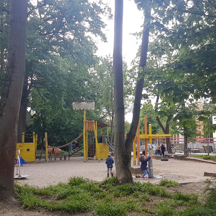 Bild 1: Spielplatz im Bavierpark