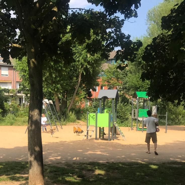 Bild 2: Spielplatz im Böckingpark
