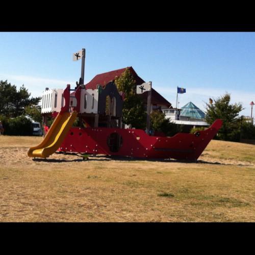 Bild 1: Spielplatz im Feriendorf Rugana