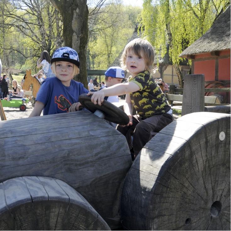 Bild 1: Spielplatz im Freilichtmuseum am Kiekeberg