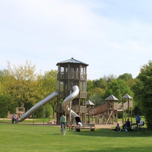 Bild 3: Spielplatz im Walter-Peters-Park