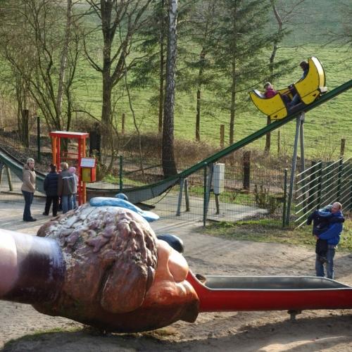 Bild 1: Spielplatz im Wildpark Schwarze Berge