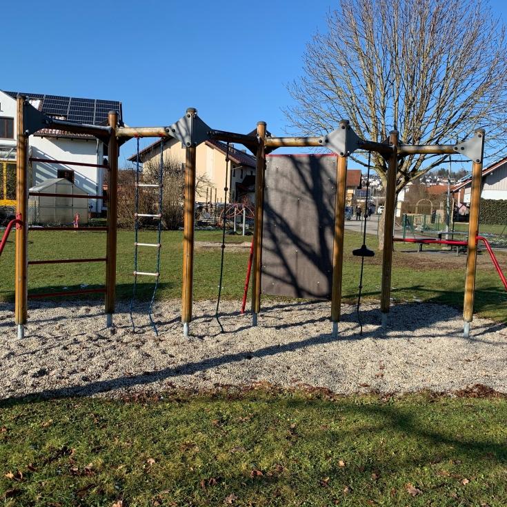 Bild 1: Spielplatz in der Au