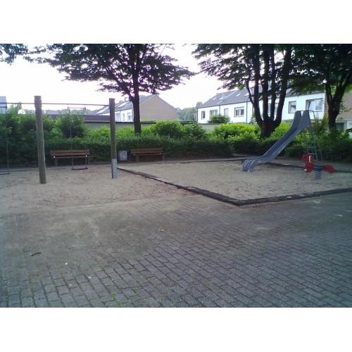 Bild 1: Spielplatz 3 Paul-Löbe-Straße