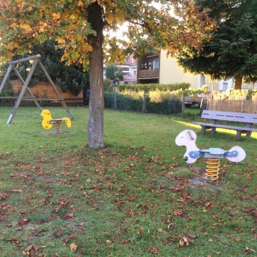 Bild 1: Spielplatz Rosenstraße