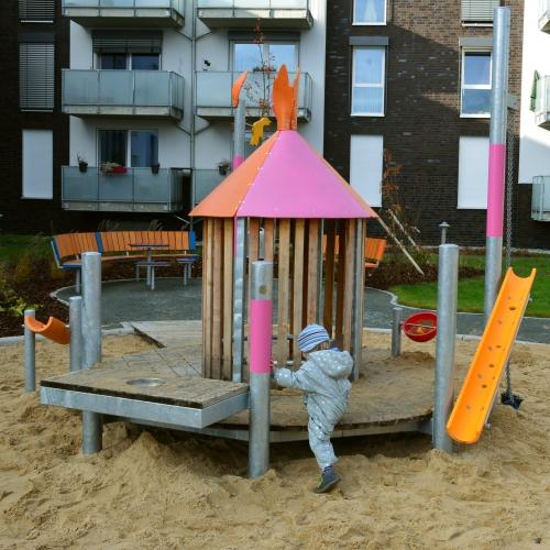 Bild 3: Spielplatz Schilfweg
