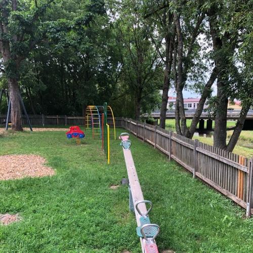 Bild 3: Spielplatz Kraisdorf