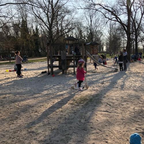 Bild 1: Spielplatz Kronepark