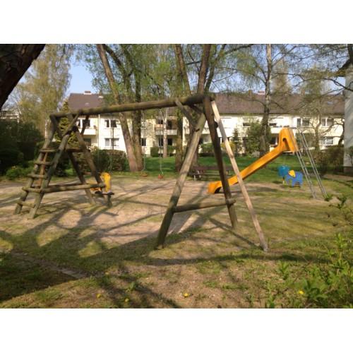 Bild 1: Spielplatz Langewartweg