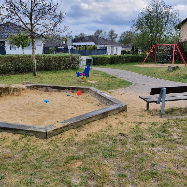 Bild 6: Spielplatz Loe-Auen