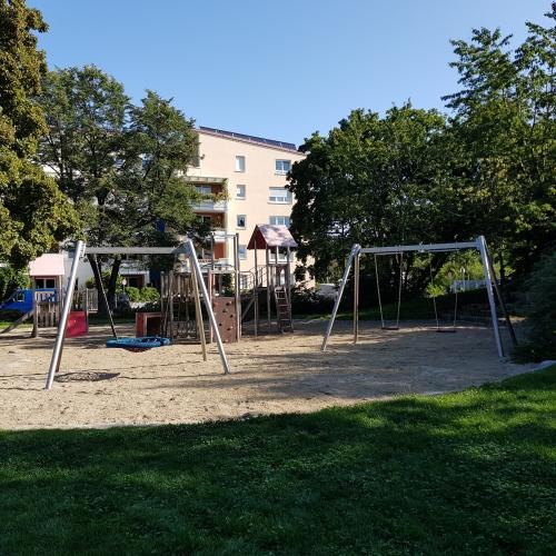 Bild 3: Spielplatz Mittersendling