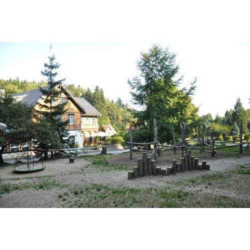 Bild 3: Spielplatz nahe Gondelfahrt Jonsdorf