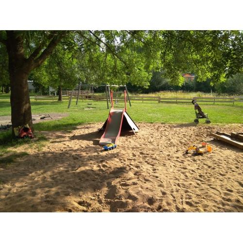 Bild 7: Spielplatz NEUSES