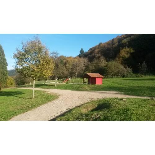 Bild 4: Spielplatz oberhalb der August Macke Schule