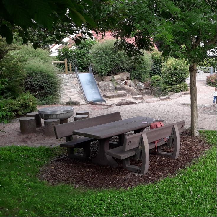 Bild 3: Spielplatz Obersülzen