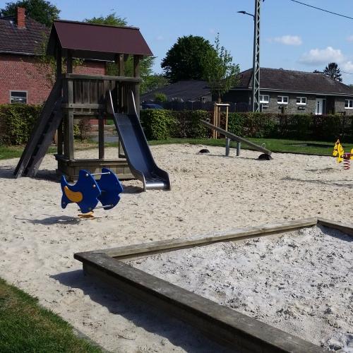 Bild 1: Spielplatz Oerath