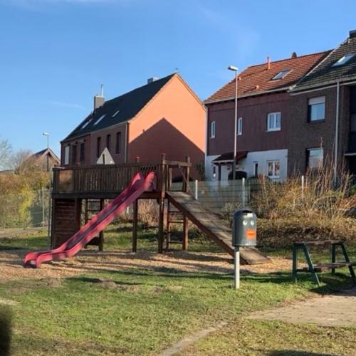 Bild 1: Spielplatz Orsbach