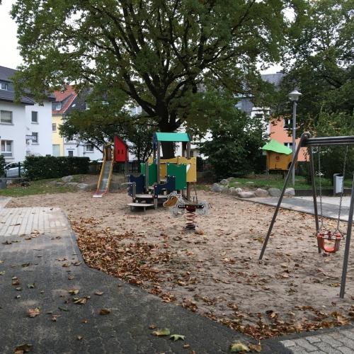 Bild 3: Spielplatz Overbergplatz