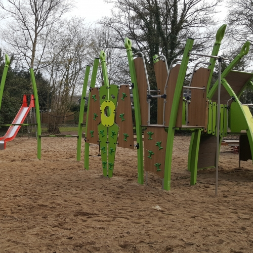 Bild 1: Spielplatz Park Willich