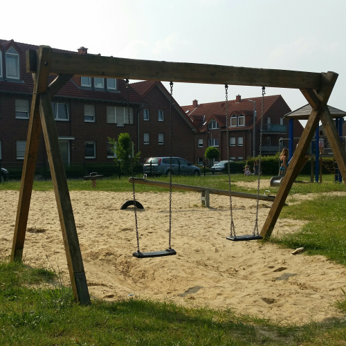 Bild 2: Spielplatz Römerring