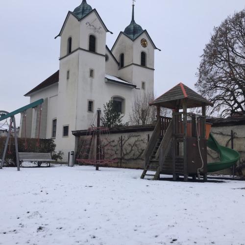 Bild 1: Spielplatz Schloss Böttstein