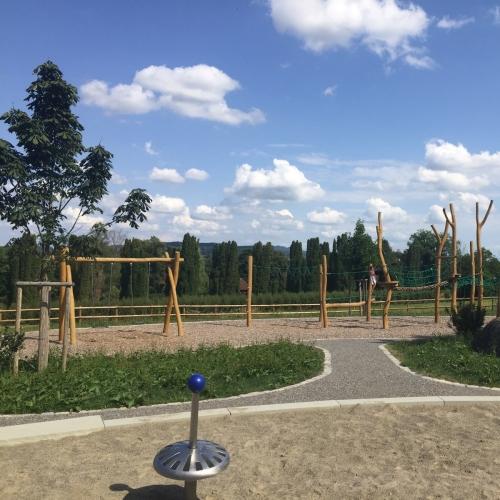 Bild 3: Spielplatz Schloss Salem