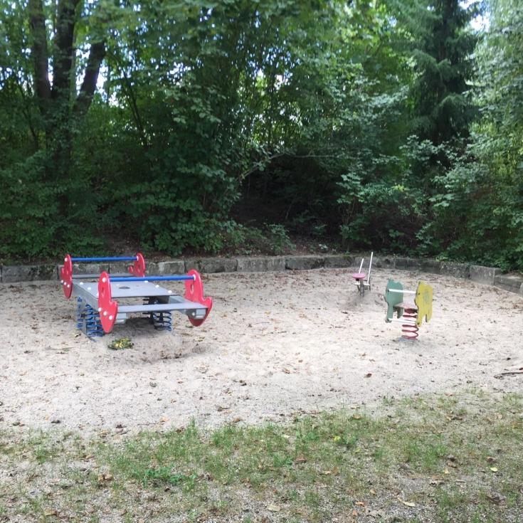 Bild 3: Spielplatz Seemillerstraße