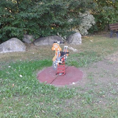 Bild 4: Spielplatz Stadtpark Blumenrod 1-2c