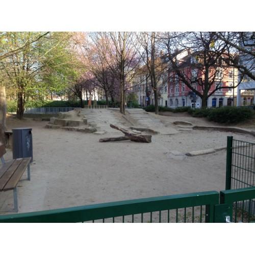 Bild 2: Spielplatz Stühlingerplatz