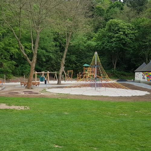 Bild 3: Spielplatz Tal Josaphat 1-8