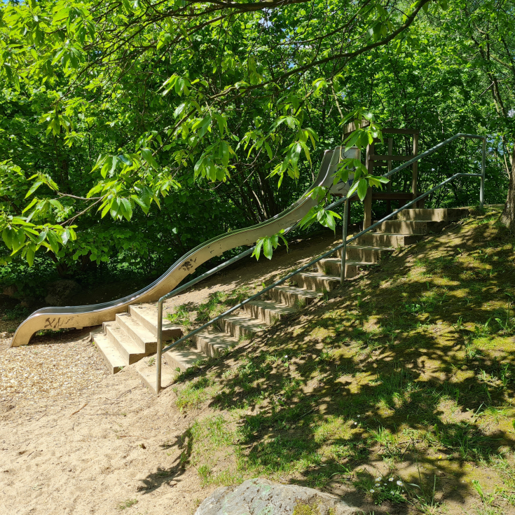 Bild 2: Spielplatz Am Schlagbaum