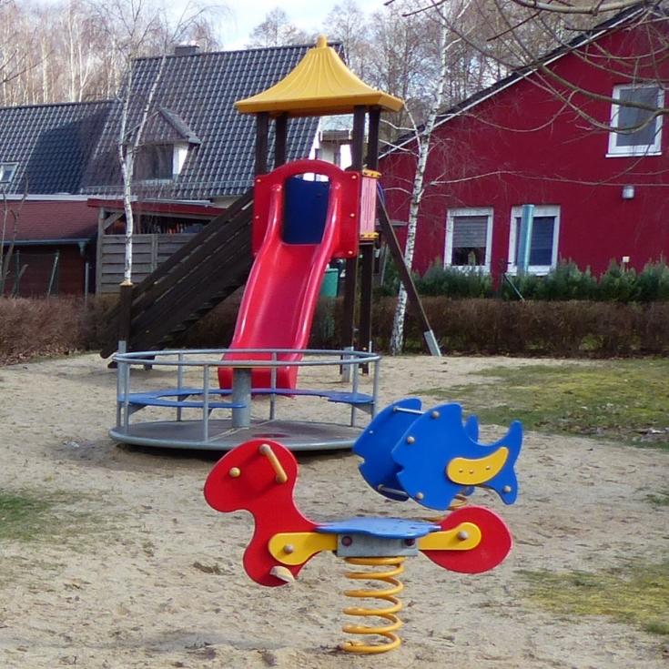 Bild 1: Spielplatz Wohnanlage Am Katharinensee
