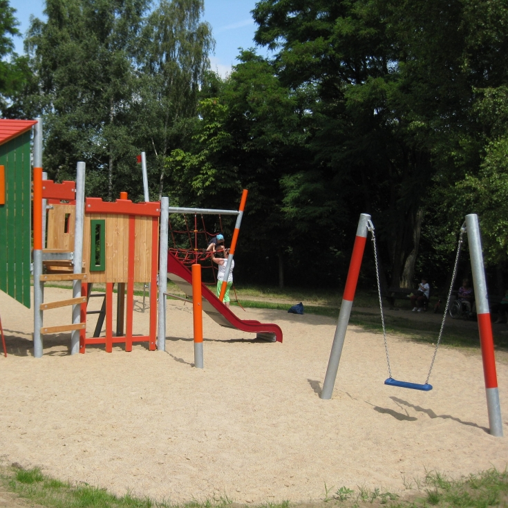 Bild 1: Spielplatz 2 Wohngebietspark Grünes Tal