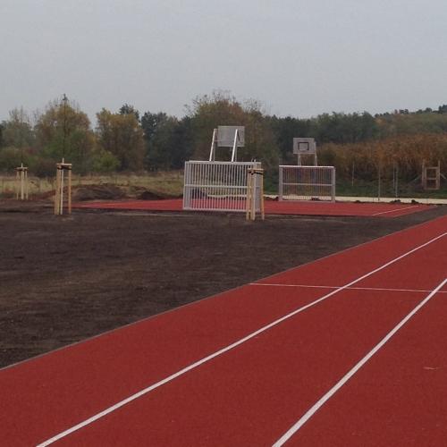Bild 1: Sportplatz