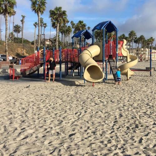 Bild 1: Strandspielplatz