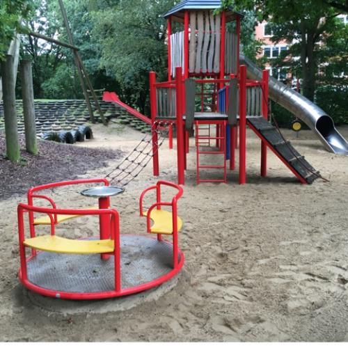 Bild 6: Tarzan-Spielplatz