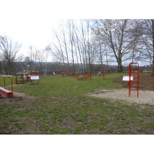 Bild 1: Trimm-Dich-Parcours