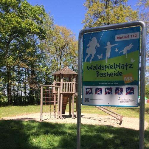 Bild 1: Waldspielplatz Basheide