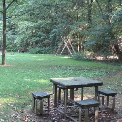 Bild 1: Waldspielplatz