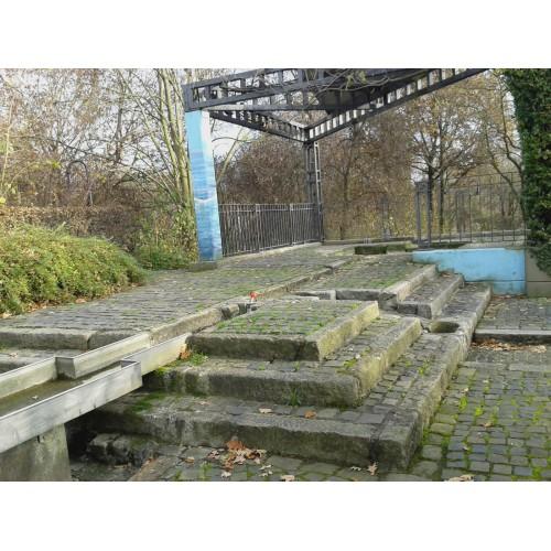 Bild 3: Wasserspielplatz im Stadthallengarten