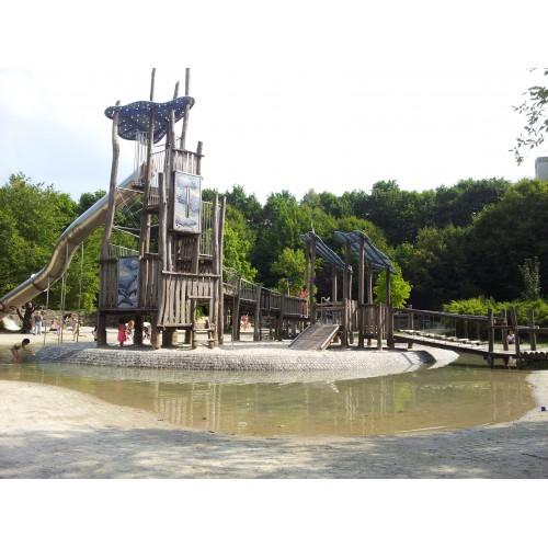Bild 2: Wasserspielplatz im Westpark Ostteil