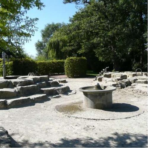 Bild 1: Wasserspielplatz