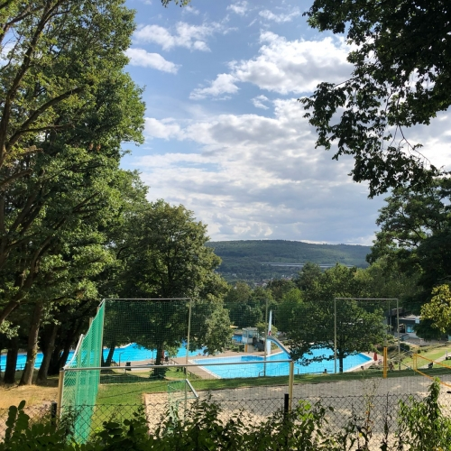 Bild 1: Waldschwimmbad